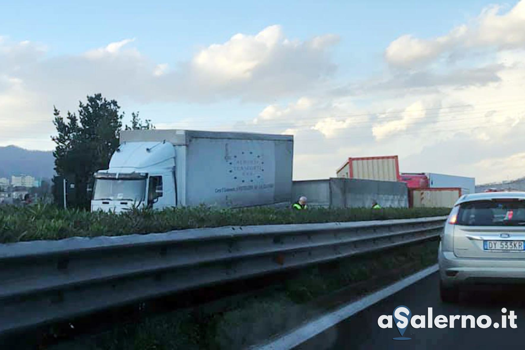 camion ribaltato 04