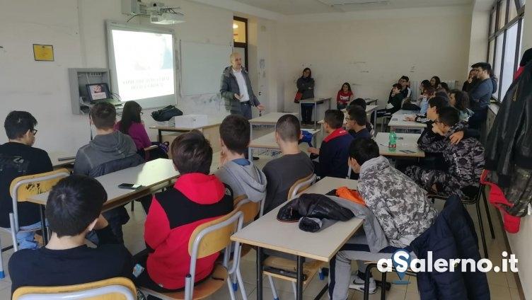 """Gli studenti a Baronissi uniti: """"No alla droga"""" - aSalerno.it"""
