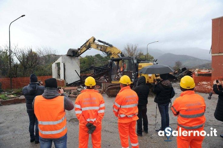 Demoliti i prefabbricati di Matierno - aSalerno.it
