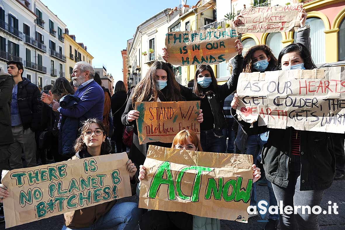 FridaysForFuture01