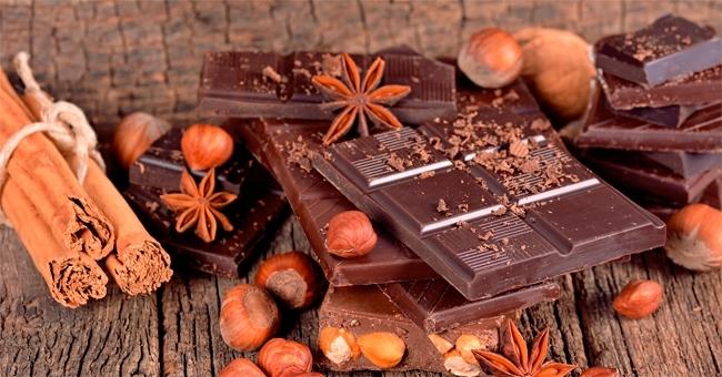 il-cioccolato-fondente-aiuta-chi-e-a-dieta