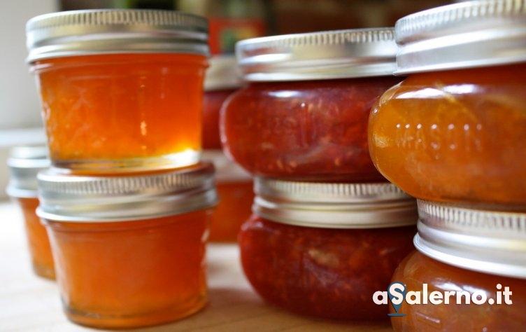 Salerno, la cucina delle aziende agricole usata per la produzione di miele, marmellate e salumi - aSalerno.it