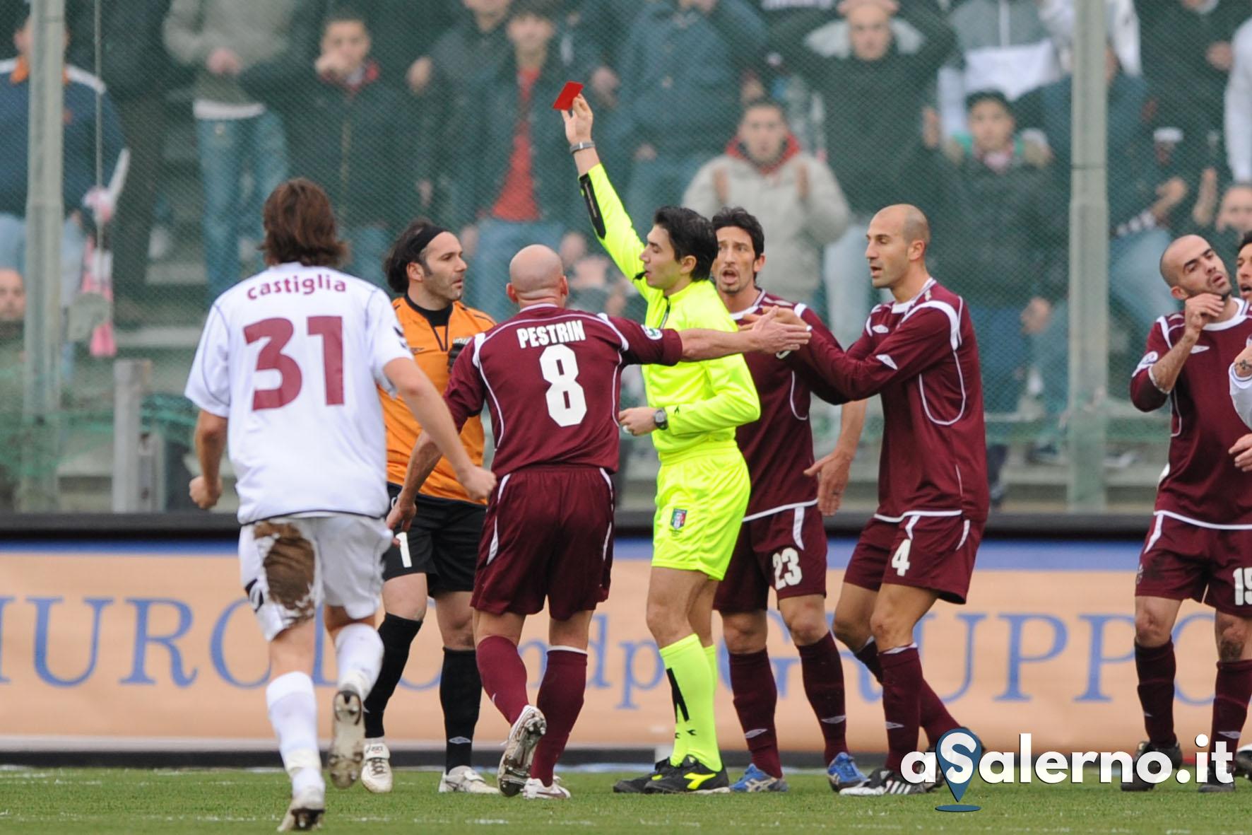 Sal : salernitana-Cittadella Campionato Serie B 2008/09 nella foto l'espulsione di pinna Foto Tanopress