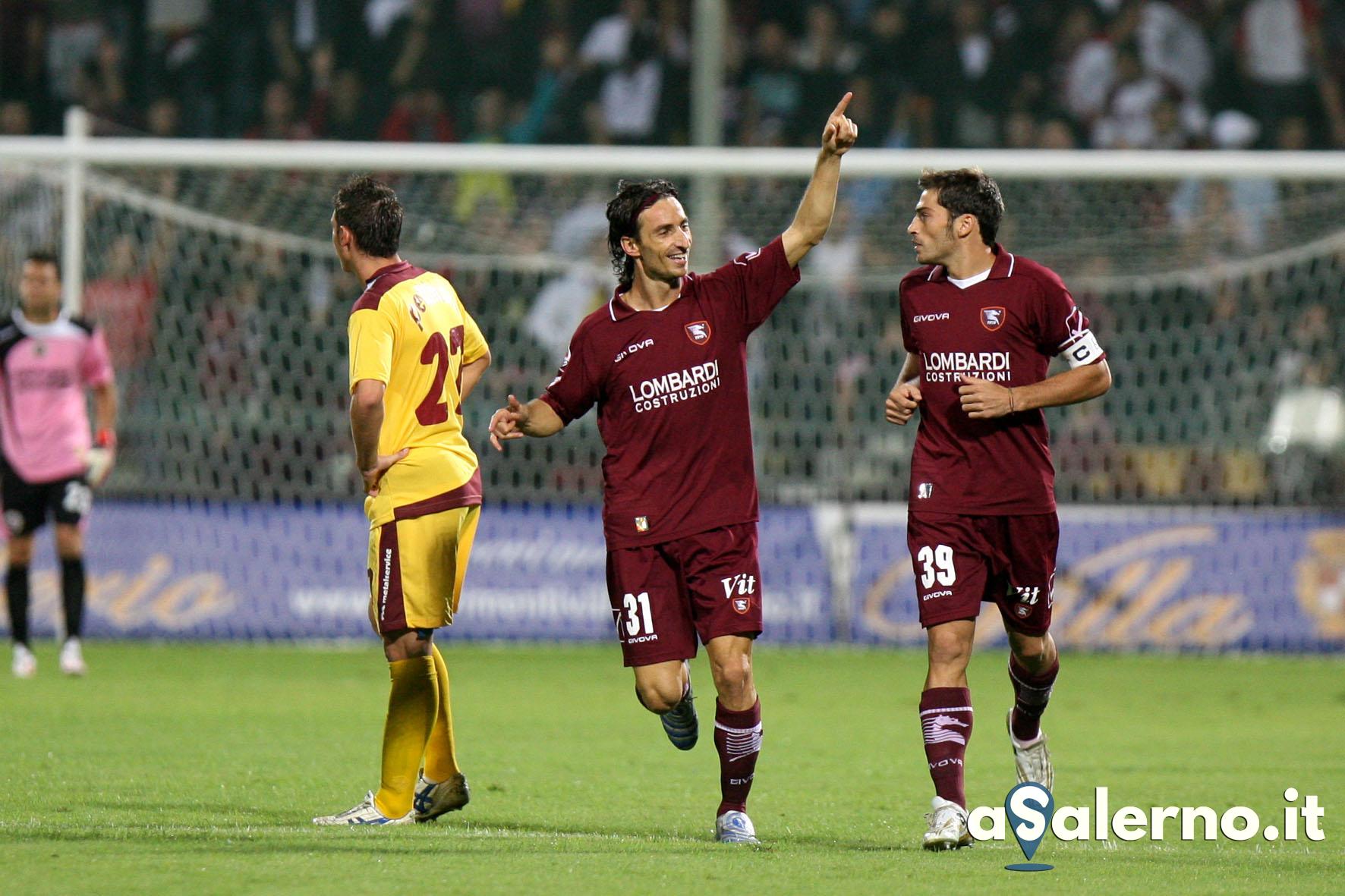 sal : salernitana - cittadella campionato serie B 2009-10 Nella foto esultanza fava dopo il gol del 1-0 Foto Tanopress