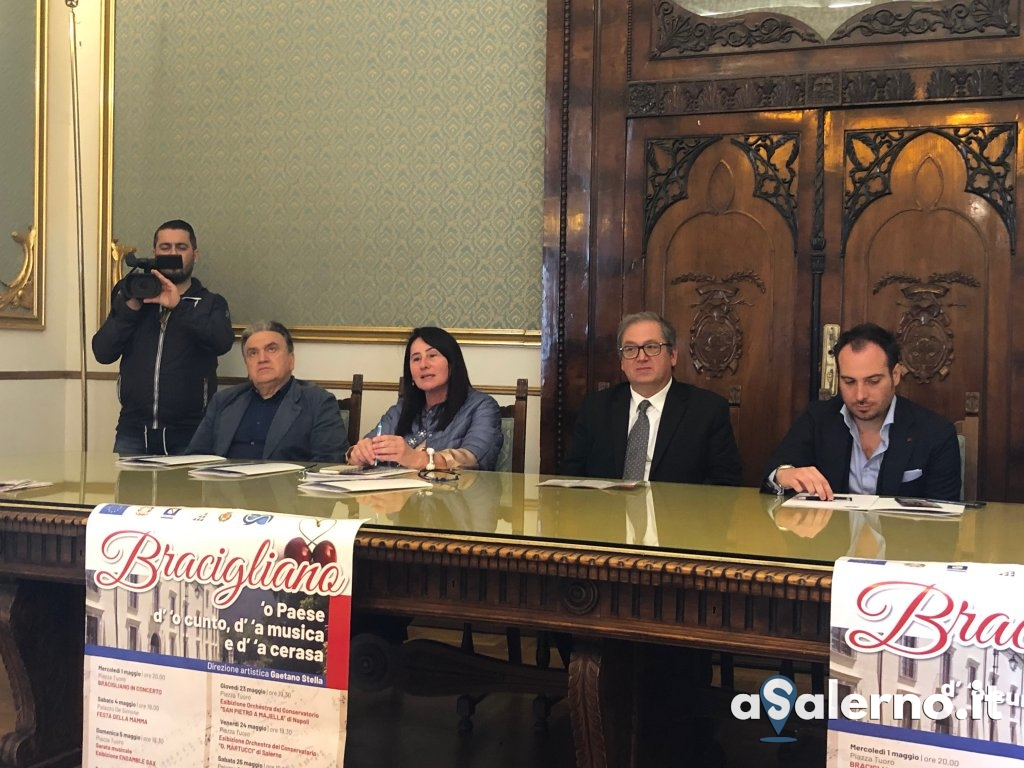 foto conferenza stampa 2