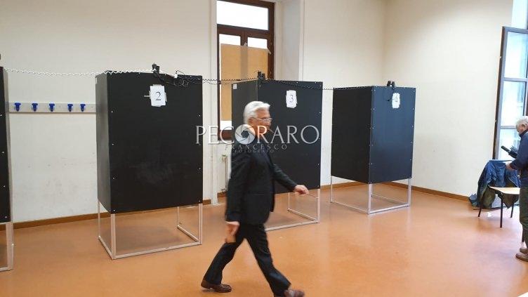 Europee, l'affluenza a Salerno supera di poco quella del 2014 - aSalerno.it