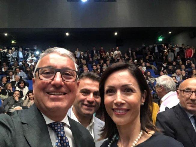 """Gambino si """"riprende"""" Pagani: è lui il nuovo sindaco - aSalerno.it"""