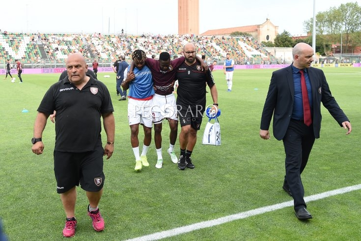 Salernitana, stiramento al flessore per Jallow: dentro A. Anderson - aSalerno.it