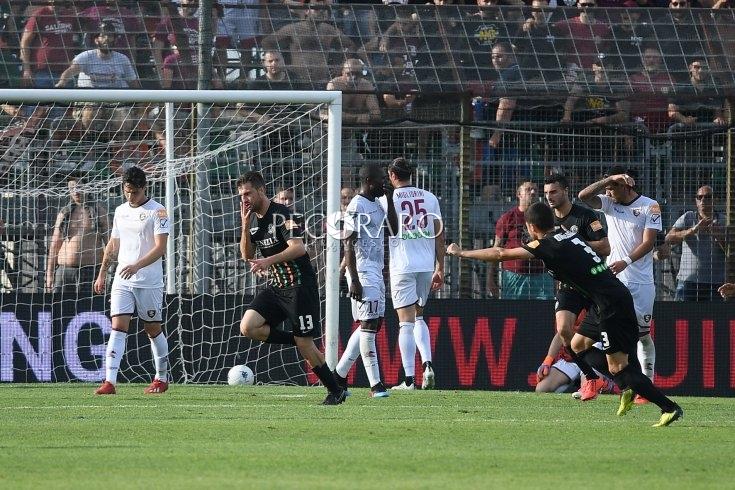Salernitana fulminata dal gol di Modolo e dal rosso di Minala (1-0 pt) - aSalerno.it