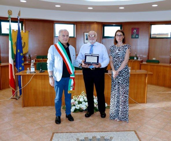 Roccapiemonte, il Comune premia il cittadino illustre Gaetano Ciancio - aSalerno.it
