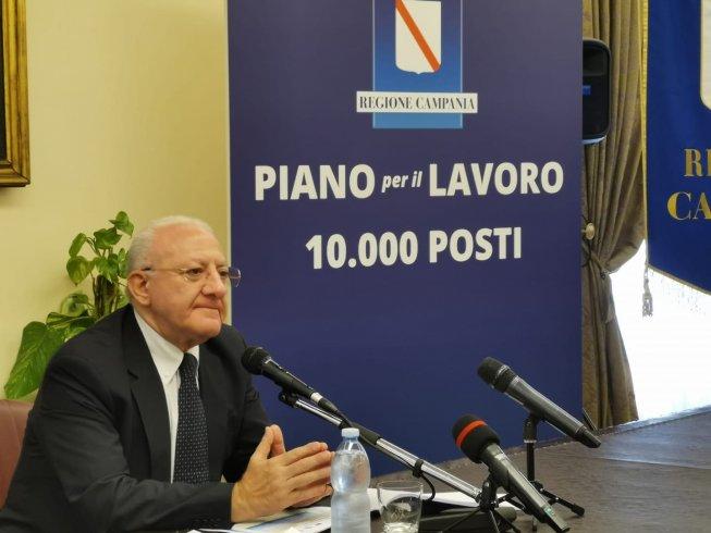 Piano per il Lavoro con 10.000 posti: De Luca presenta il bando - aSalerno.it