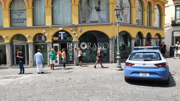 Rapina al tabacchi in via Portanova - aSalerno.it
