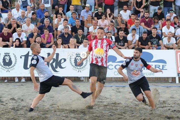 Santa Teresa Beach Soccer: Michema Caffè vs Gioia e Gusto/ Barber Salon - aSalerno.it