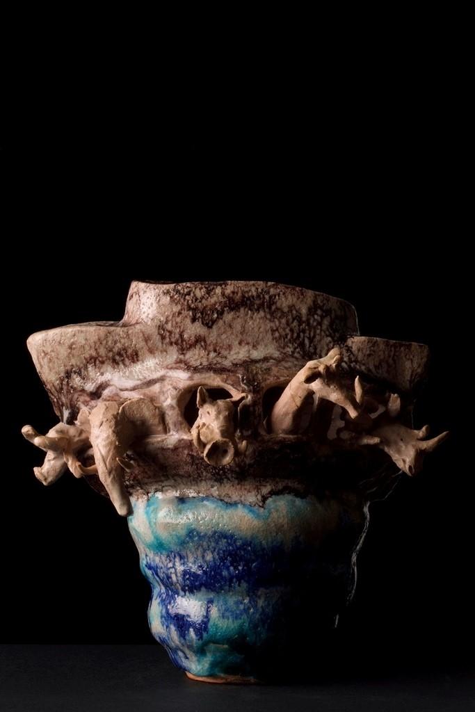 Monica Amendola, Arca di Noè, 1996_terracotta smaltata e inetriata, dipinta con ossidi