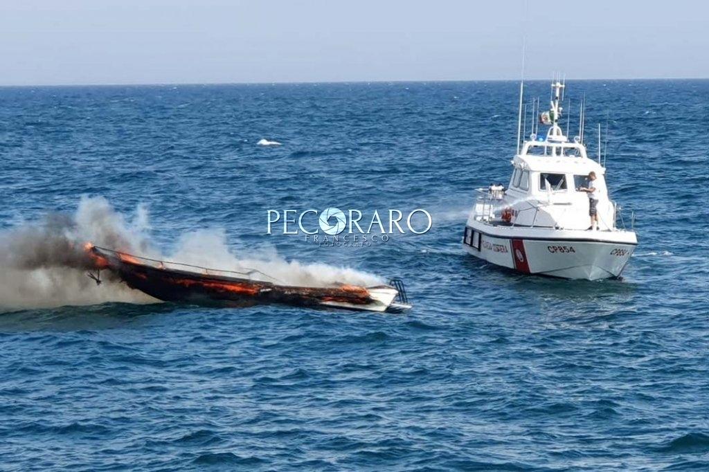 incendio barca 01