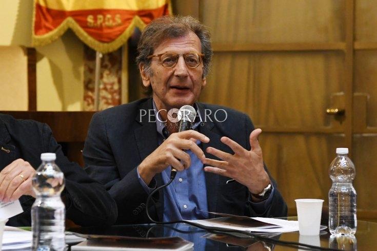 La letteratura piange l'eccellenza: si è spento Francesco Durante - aSalerno.it