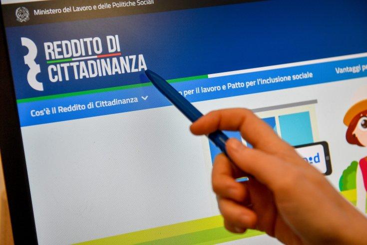 """Arrestato spacciatore con Reddito di Cittadinanza, il giudice glielo sospende: """"Si trovi un lavoro"""" - aSalerno.it"""