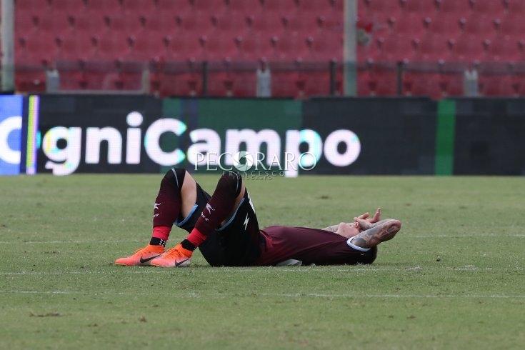 Salernitana senza vetta, Frosinone in rosso e di ginocchio: 1 a 1. - aSalerno.it