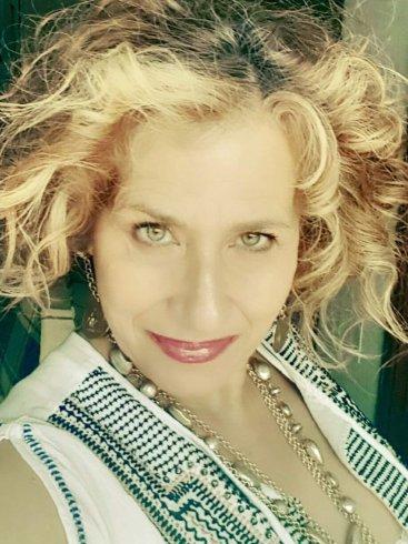Rosanna De Bonis concorre al Festival teatrale: I corti Della Formica - aSalerno.it