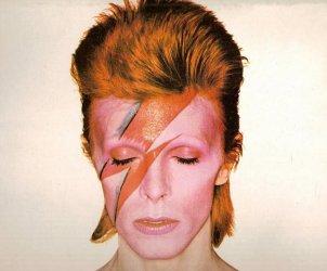 1600x900_1560772735669_2019.06.17_David Bowie_immagine apertura_ns