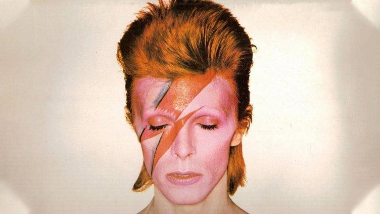 Stardust Bowie by Sukita, la mostra prende vita con le note Jazz - aSalerno.it