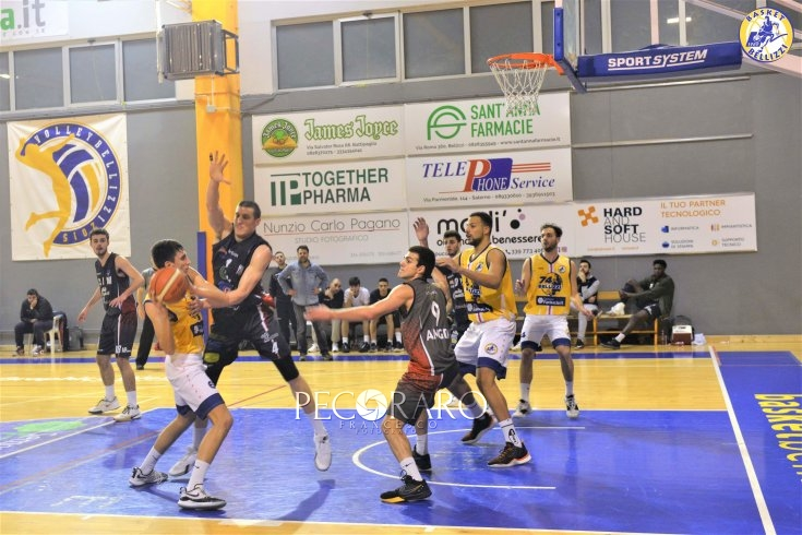 Il derby si colora di gialloblu: Bellizzi batte Angri 68-56 - aSalerno.it