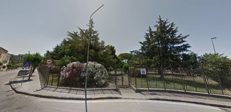 Battipaglia, spaccio vicino la villa comunale: bloccato 34enne - aSalerno.it