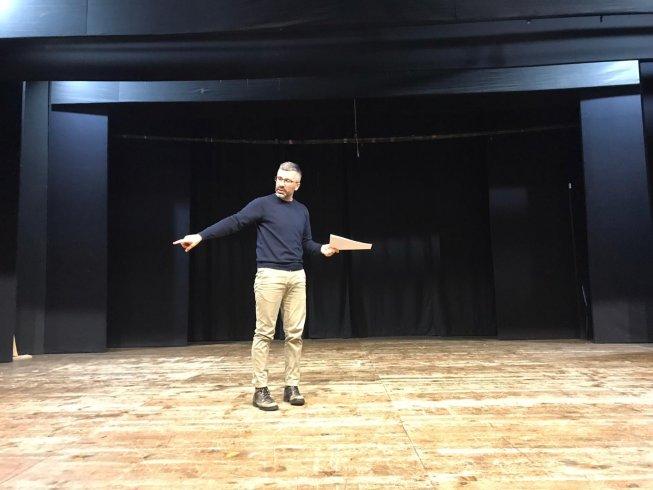 Scena Teatro, lezioni video per gli oltre 200 allievi dal palco del centro sociale - aSalerno.it