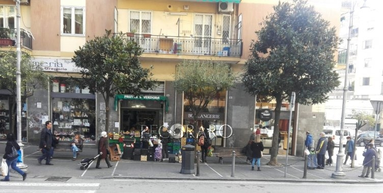 Salerno, tutti i commercianti devono indossare mascherina o guanti monouso - aSalerno.it