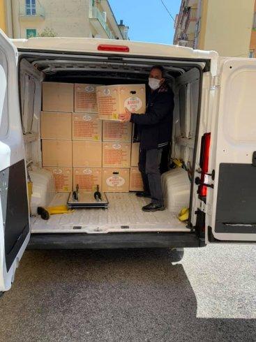 Salerno, Open dona 500 uova di pasqua - aSalerno.it