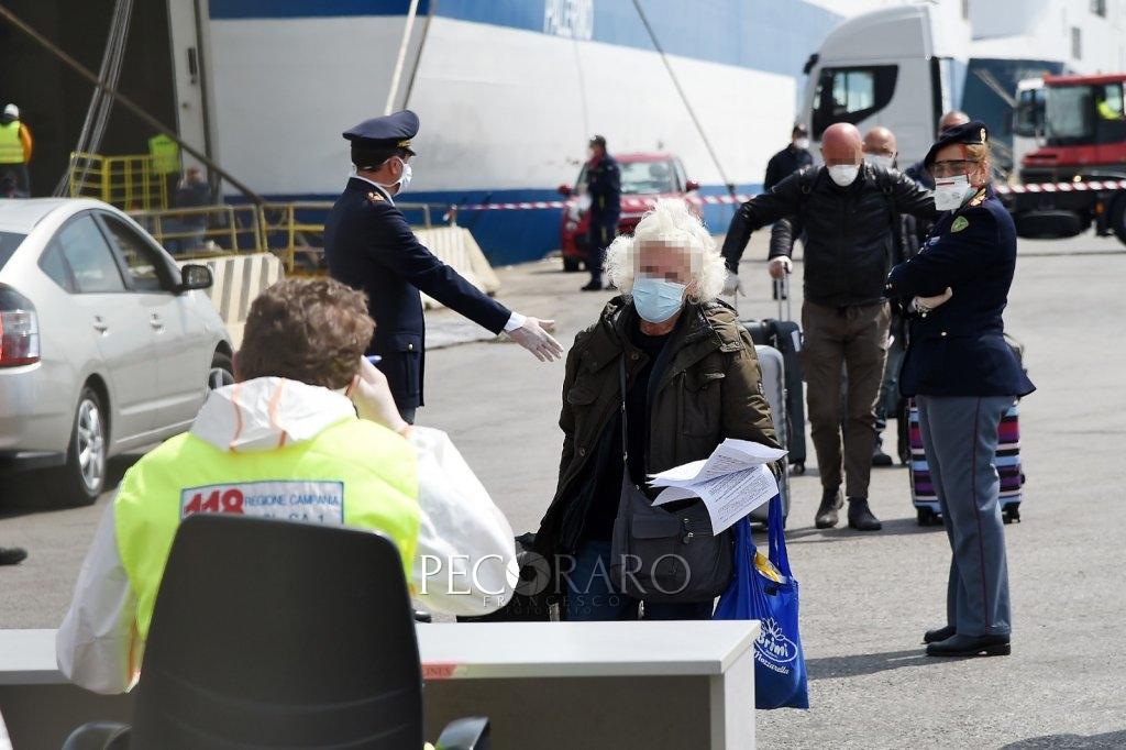 Sbarco porto di Salerno Coronavirus 2