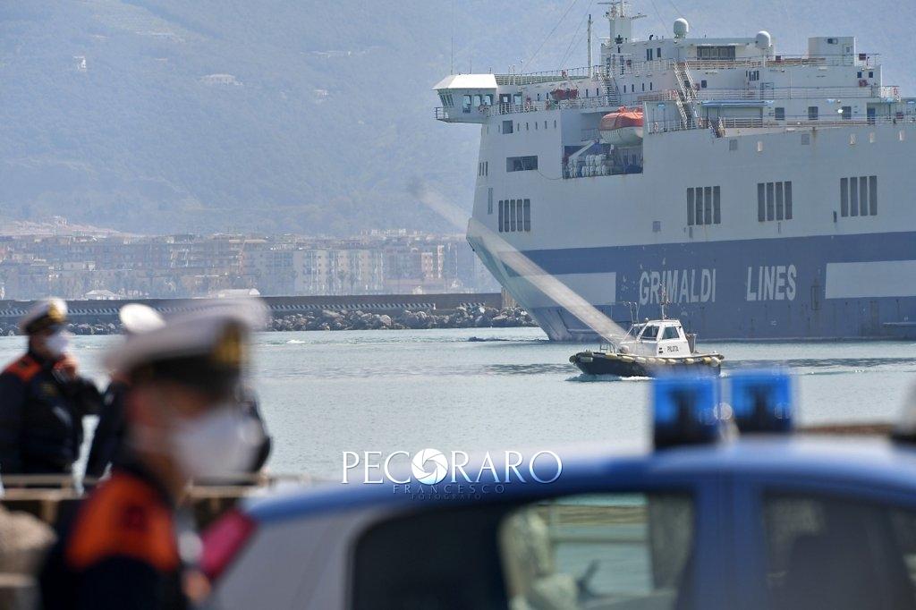 Sbarco porto di Salerno Coronavirus 5