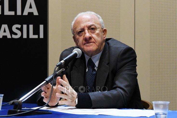 Conferenza Stato-Regioni, le richieste di De Luca dal congedo partentale al 100% al bonus famiglia - aSalerno.it