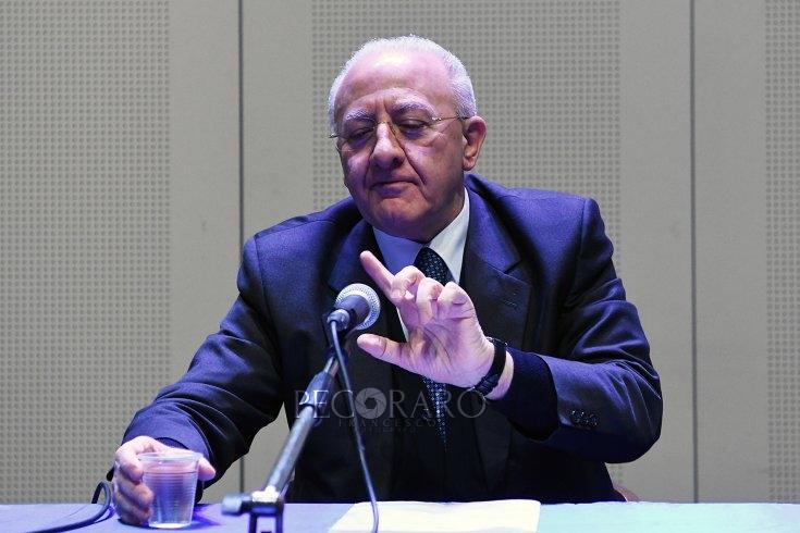 Fase 2, da Vespa questa sera: confronto in diretta Fontana-De Luca - aSalerno.it