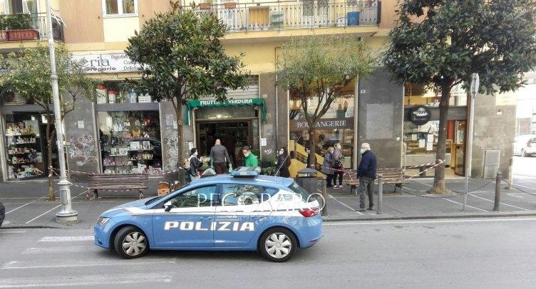 Controlli sul Carmine, Polizia vigila per evitare gruppi e assembramenti - aSalerno.it