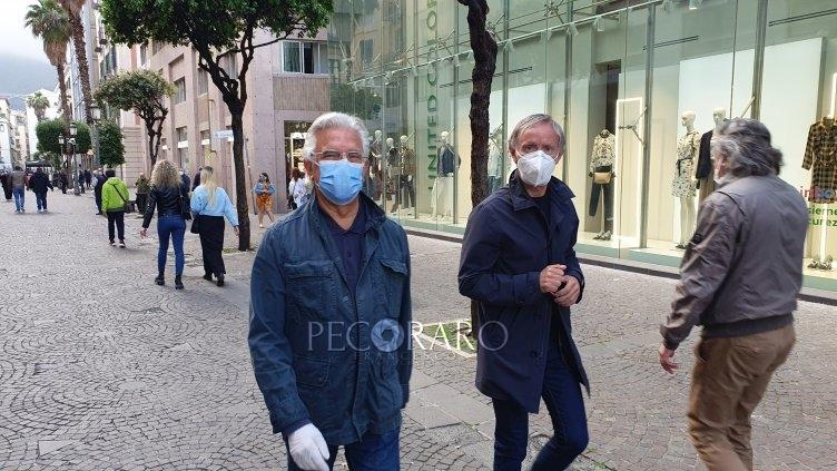"""""""Indossate la mascherina"""" sindaco in perlustrazione sul Corso Vittorio Emanuele – LE FOTO - aSalerno.it"""
