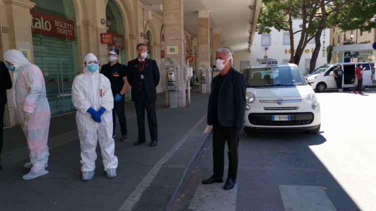 Fase 2 a Salerno, sindaco e assessori al controllo per gli arrivi alla Stazione – LE FOTO - aSalerno.it