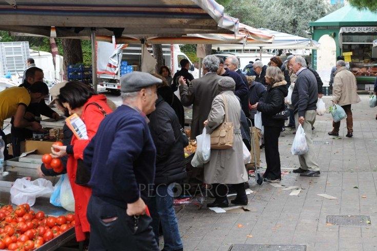 """""""Serve più tempo"""", rinviata apertura dei mercati cittadini a Salerno - aSalerno.it"""