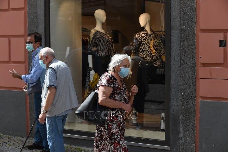 """""""Giù la mascherina in strada se si rispetta il metro di distanza"""" - aSalerno.it"""