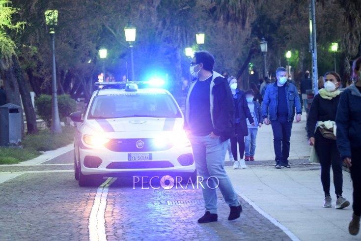 Salerno, senza mascherina in strada: 15 verbali da 400 euro - aSalerno.it