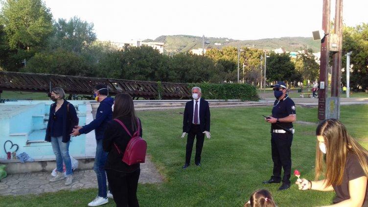"""Salerno, rabbia del sindaco al Parco del Mercatello: """"Qualche assembramento, elevati 5 verbali"""" - aSalerno.it"""
