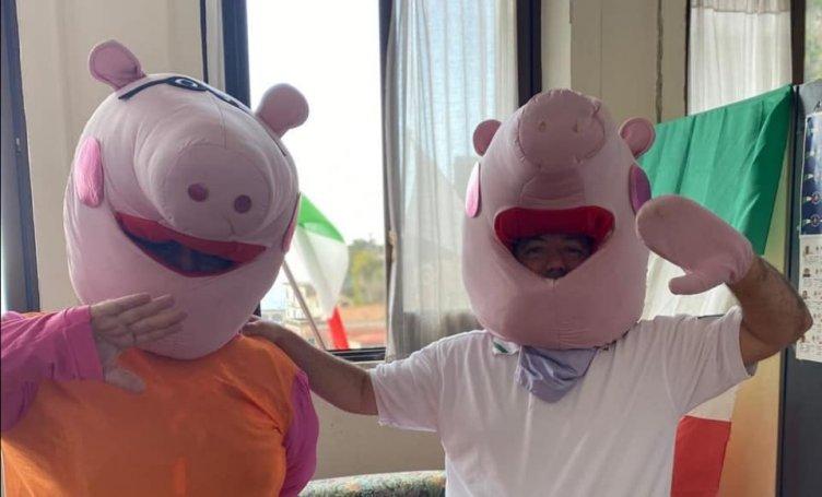 "Cetara, ai bimbi le mascherine le consegnano ""Peppa Pig"" e ""George"" - aSalerno.it"