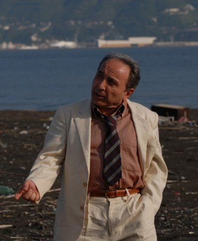 Teatro Casalingo, penultimo appuntamento con l'attore Ernesto Mahieux - aSalerno.it