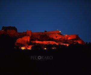 SAL - 18 06 2020 Salerno. Castello Arechi illuminato di granata. Foto Tanopress