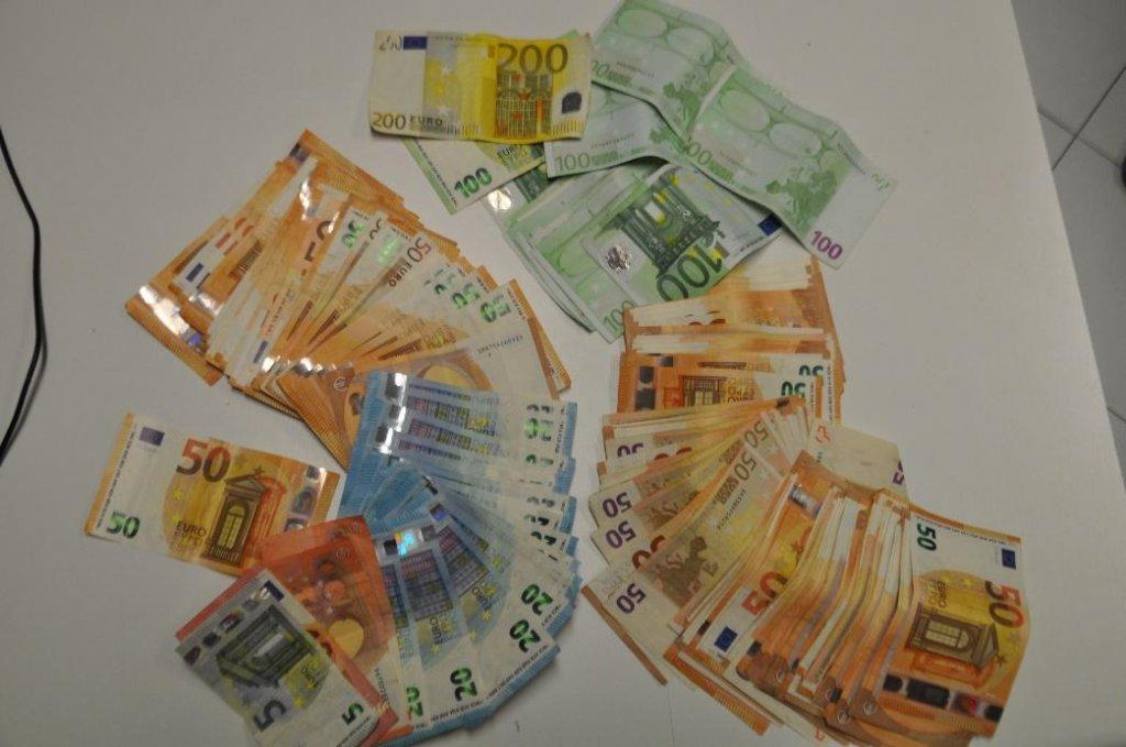 soldi marijuana droga