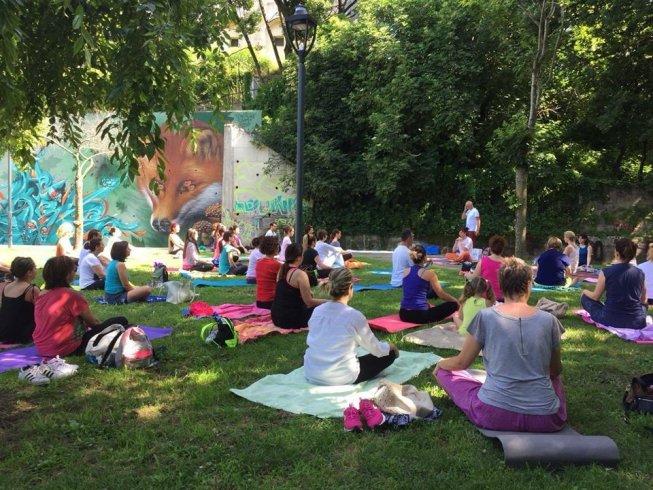 Baronissi, dal 5 luglio lezioni di yoga gratuite al parco del Ciliegio - aSalerno.it