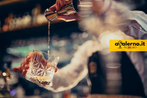 Controlli nella movida, alcolici a minorenni: sanzioni a due locali nel centro storico - aSalerno.it
