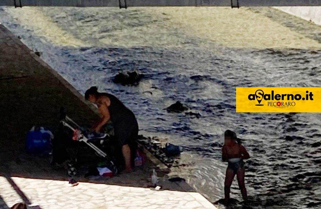 Lavarsi nel fiume Irno