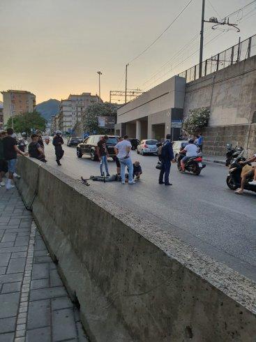 Incidente in via Torrione, soccorso uomo alla guida di un monopattino - aSalerno.it