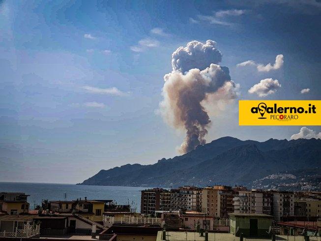 Inferno sulle montagne di Maiori, ancora fiamme in Costiera Amalfitana - aSalerno.it